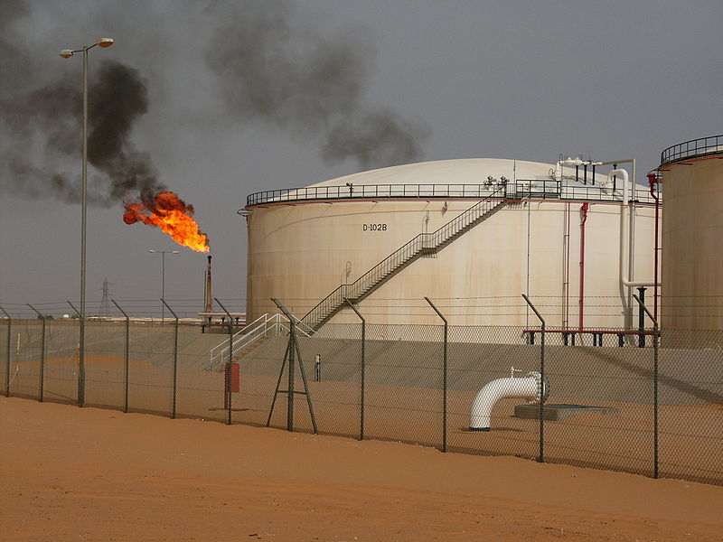 Pole naftowe El Saharara (Libia) Wikimedia Commons, Javier Blas