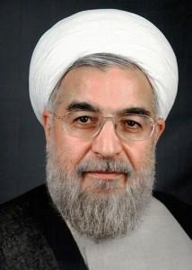 Hasan Rouhani (ur. 1948) - duchowny muzułmański, od lat 80. członek parlamentu Republiki Islamskiej, doradca prezydentów Iranu i członek Zgromadzenia Ekspertów (organu państwowej władzy duchownej). W 2009 r. skrytykował władze za zwalczanie pokojowych demonstracji opozycyjnych. W czerwcu 2013 r. w pierwszej turze wygrał wybory prezydenckie. Uważany za osobę o umiarkowanych poglądach i zwolennika reform (fot. BotMultichillT, opublikowano na licencji Creative Commons Attribution-Share Alike 3.0 Unported).