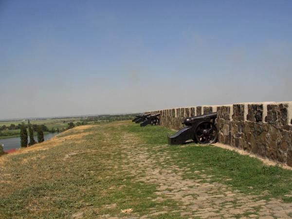 Mury twierdzy azowskiej (fot. Yaroslav Blanter, opublikowano na licencji Creative Commons Attribution-Share Alike 3.0 Unported)