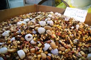 Na irańskim stole zawsze stoi miska z orzechami oraz półmisek z owocami. Co ciekawe Irańczycy jako owoc traktują zielonego ogórka.